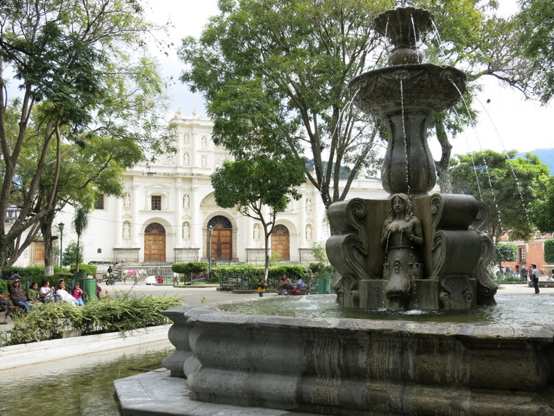 """Antigua Centre Square (and""""Boob"""" fountain)"""