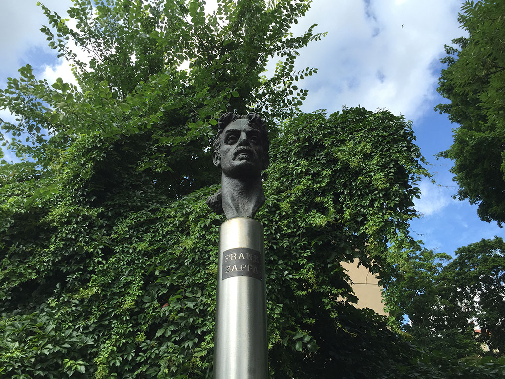 frank zappa looks proudly over vilinus