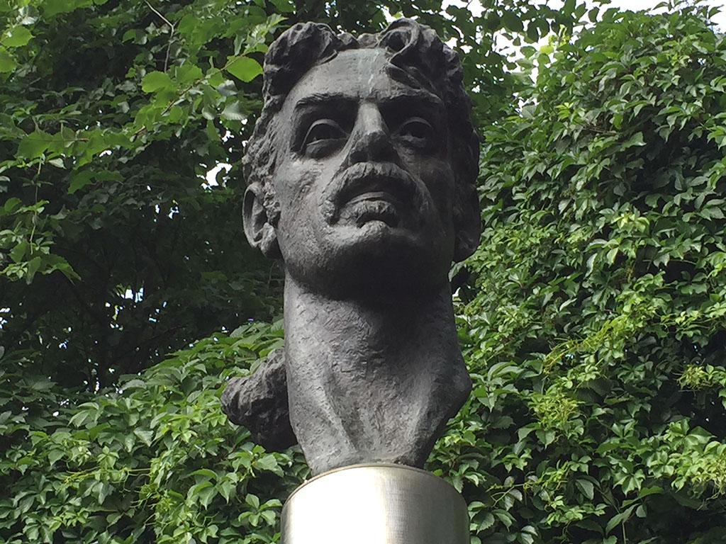 Zappa watches over Vilnius