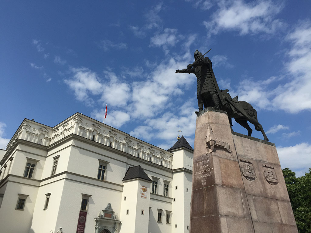 gediminas (founder of vilinus) looks over the square