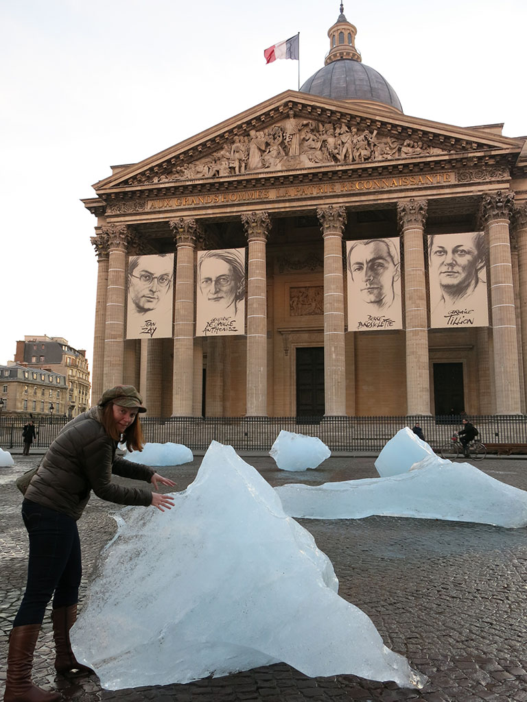 of course there are just big blocks of ice out front of the pantheon