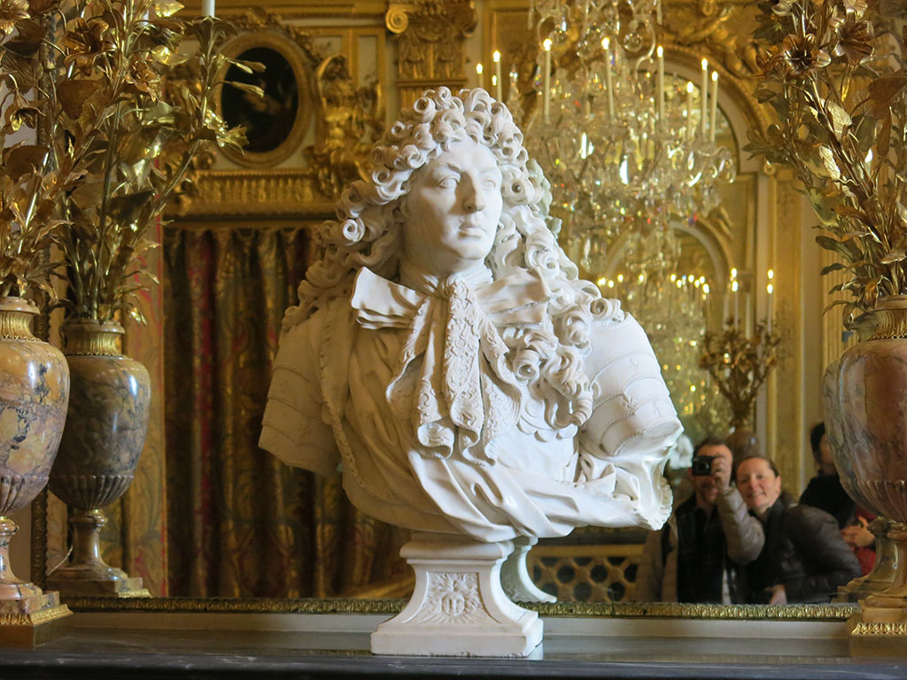 louis xiv watching over us