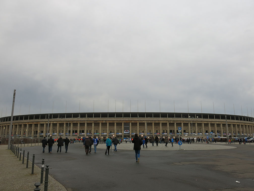arriving at olympiastadion