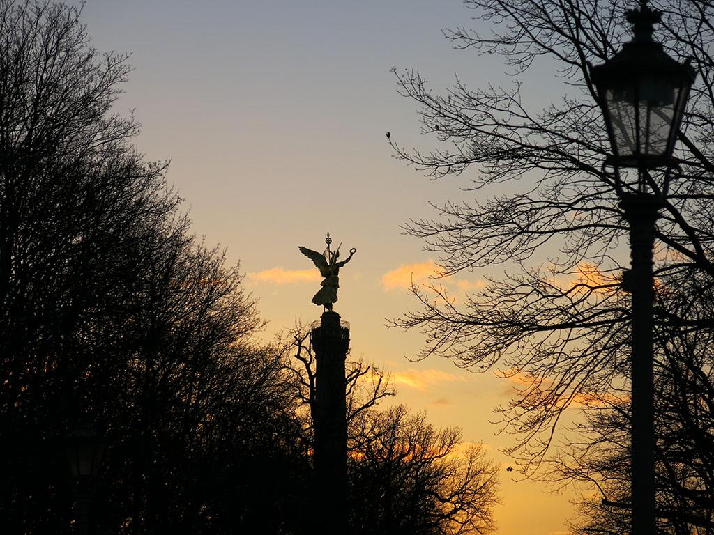 sun sets over victoria