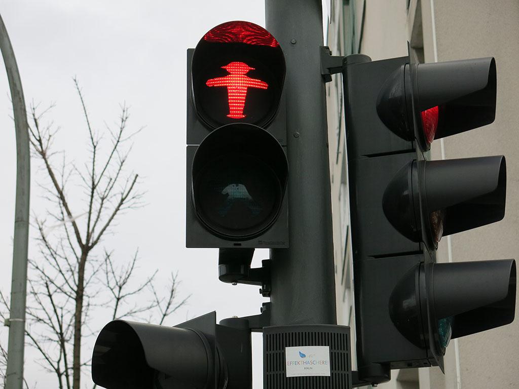 ampelmann says stop!