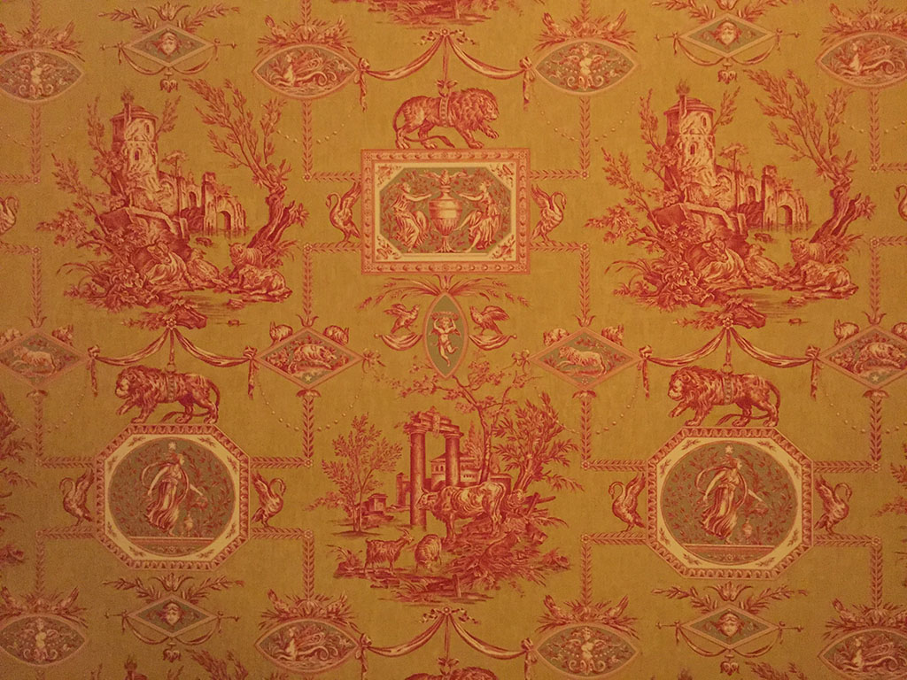 Ah, Parisian wallpaper
