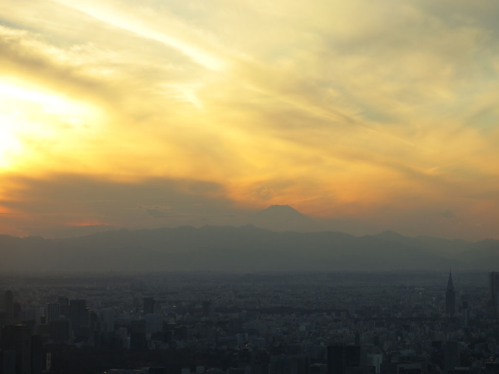 fuji as the sun sets
