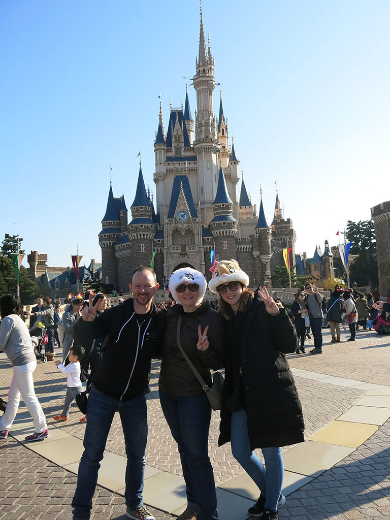 the three stooges go to disneyland